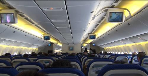 777-200メインキャビン